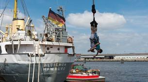 Bungee Jumping-Hamburg-Bungee jump from the harbor crane in Hamburg-3