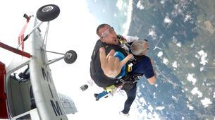 Skydiving-Soulac-sur-Mer-Tandem Skydive in Soulac-Sur-Mer near Bordeaux-2