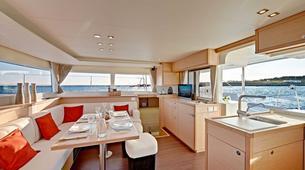 Voile-Tromsø-Midnight Sun Luxury Catamaran-4