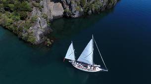 Sailing-Taupo-Eco Sailing to Māori Rock Carvings on Lake Taupo-1