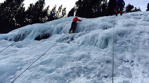 Cascade de Glace-Pyrénées Orientales-Ice climbing initiation in The Spanish Pyrenees-3