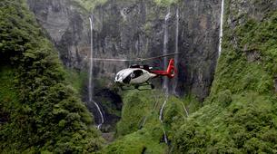 Helicoptère-Lagon de Saint-Gilles-Survol des Cirques et du Trou de Fer en hélicoptère, Réunion-1