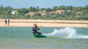 Kitesurfen-Lagos-Kitesurfing lessons and courses in Lagos, Portugal-1
