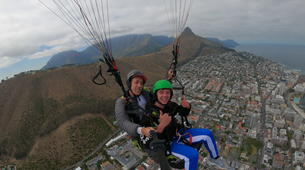 Paragliding-Cape Town-Tandem paragliding near Table Mountain in Cape Town-4