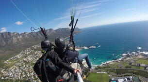 Paragliding-Cape Town-Tandem paragliding near Table Mountain in Cape Town-1
