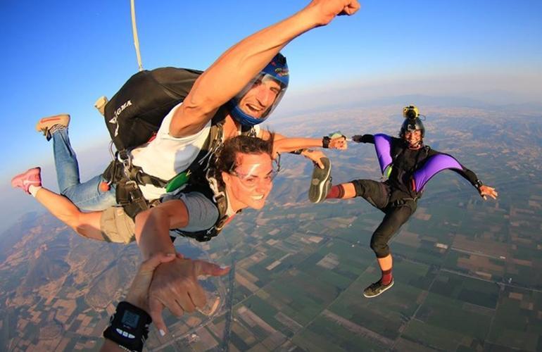 saut en parachute grece