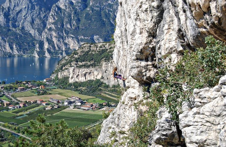 Rock climbing course for beginners in Arco, Lake Garda