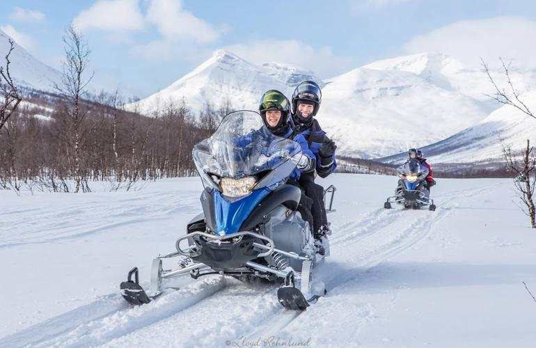 Snowmobile excursions in Tromso
