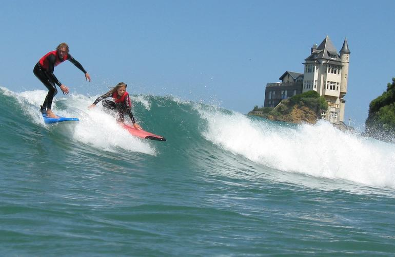 Surf lessons in Biarritz
