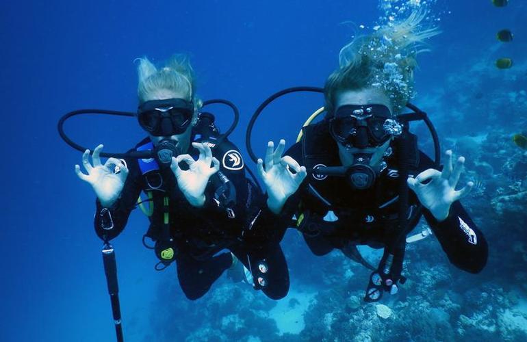PADI Open Water course in Zanzibar
