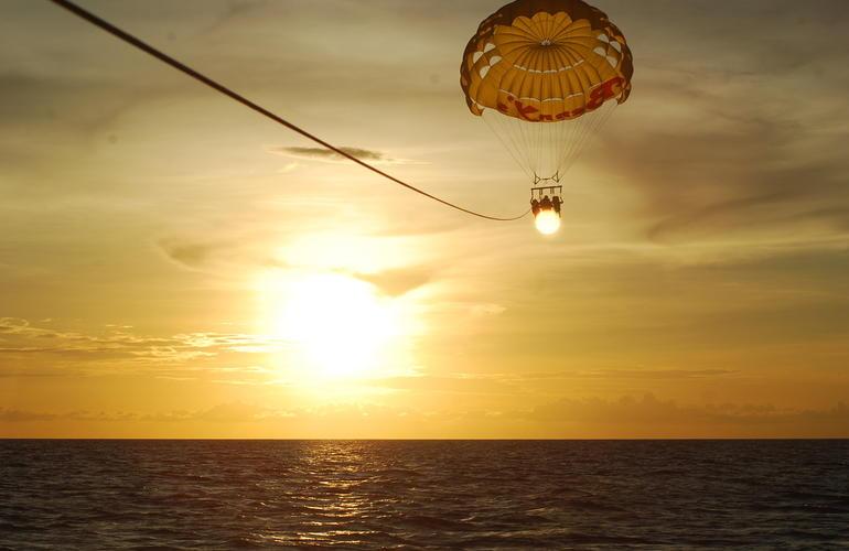 Parachute Ascensionnel à Zanzibar, Tanzanie