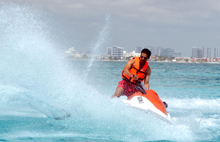 Jet Ski Rentals In Cancun
