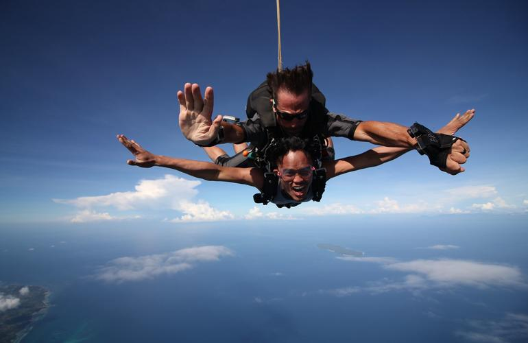 Tandem Skydive from Siquijor Island