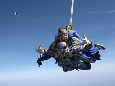 Tandem skydive in Peronne, near Paris