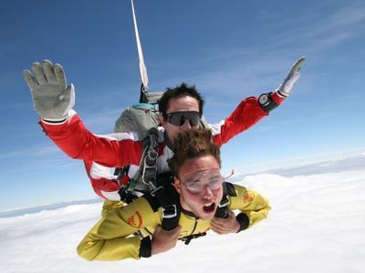 Tandem skydive at 4000m in Cerfontaine, Belgium