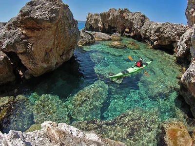 Sea kayaking excursions in Ithaca Island