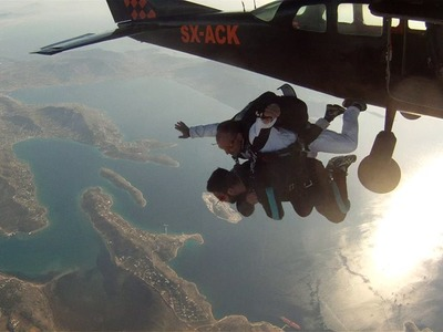 Tandem skydive from 3500m in Athens