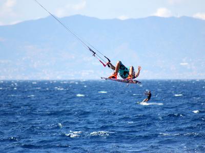 Kitesurfing progression clinic in Punta Pellaro