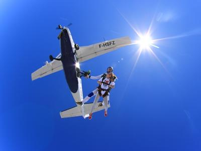 Tandem skydiving in Kastro near Athens