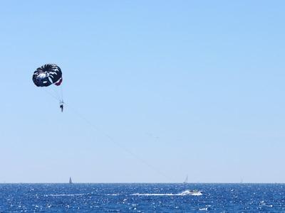 Parasailing in Nice