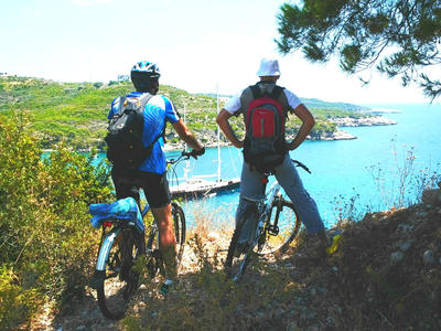 Bike excursion in Spetses from Piraeus, Greece