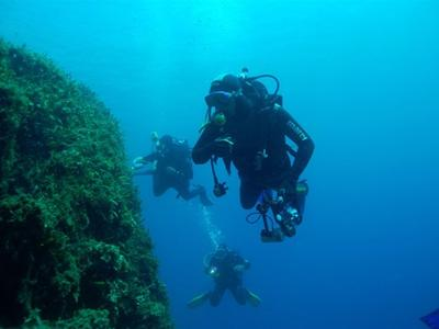 Adventure dives for certified divers in Nafplio