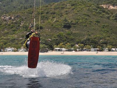 Kitesurfing: Kitesurfing lesson in Thessaloniki