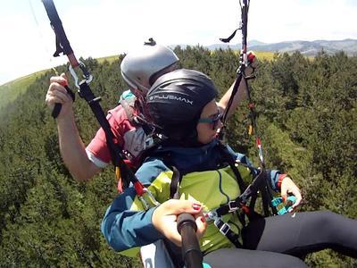 Tandem paragliding flight from Sekulica Hill in Zlatibor