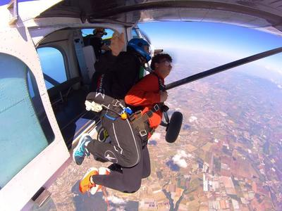 Tandem Skydive from 4000m in Nettuno, Rome