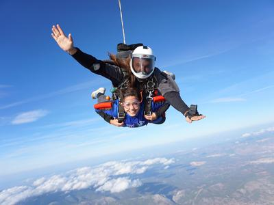 Tandem skydiving from 3500m in Athens