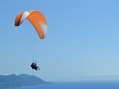 Tandem paragliding flight in Corfu