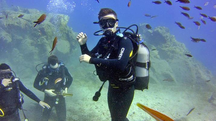 Plongée sous-marine-Santorin-Baptême de Plongée à Santorin-2
