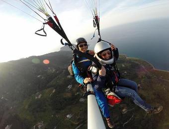 Tandem paragliding flight over Palermo