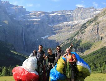 Tandem paragliding flight in Luz Saint Sauveur